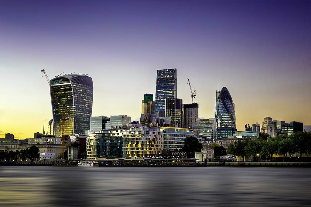 UK Banks that connect with Xero header image of London's financial district - The Peloton