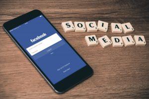 Social Media for Dentits